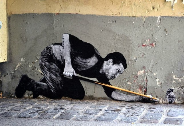 the urban theater Levalet 15